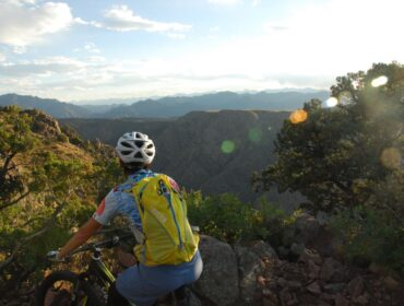 pikes-peak-outdoors-activities-biking-mountainbiking-view
